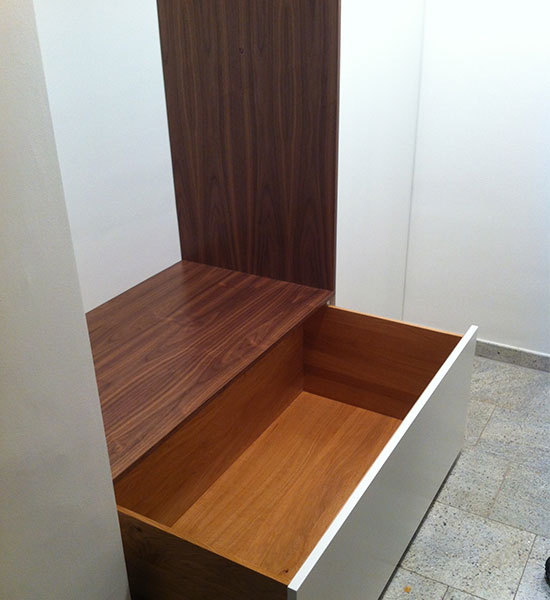 passgenaue anfertigung. Black Bedroom Furniture Sets. Home Design Ideas